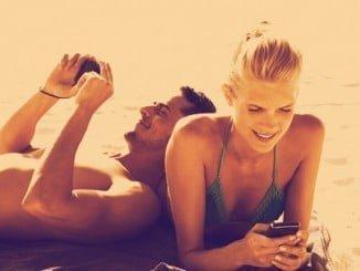 En verano las ventas a través del móvil se disparan y las mujeres incrementan el gasto un 7%