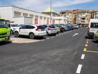 Se han realizado obras de asfaltado en los aparcamientos de la Plaza Galaroza