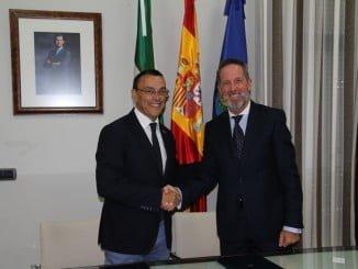 El presidente de la Diputación y el director de Cajamar estrechan lazos para impulsar el emprendimiento