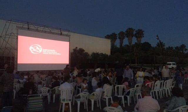 'Cine bajo las Estrellas' forma parte de la programación especial de verano en el Muelle de las Carabelas