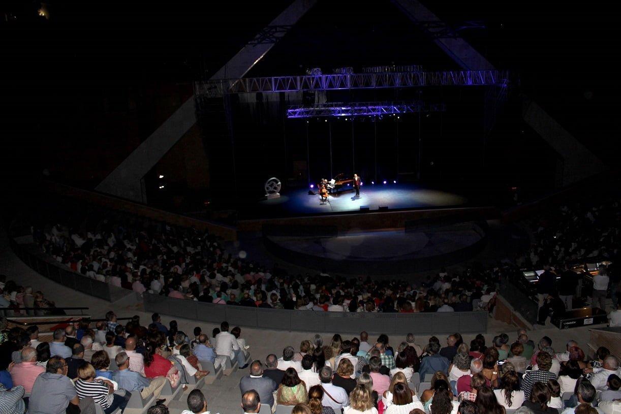 Mucho público en el concierto de reapertura del Foro tras su rehabilitación