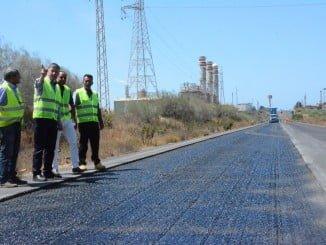 Obras de asfaltado en Palos de la Frontera