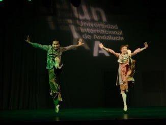 Un momento de la actuación de la compañía de baile de Un Yamada en La Rábida