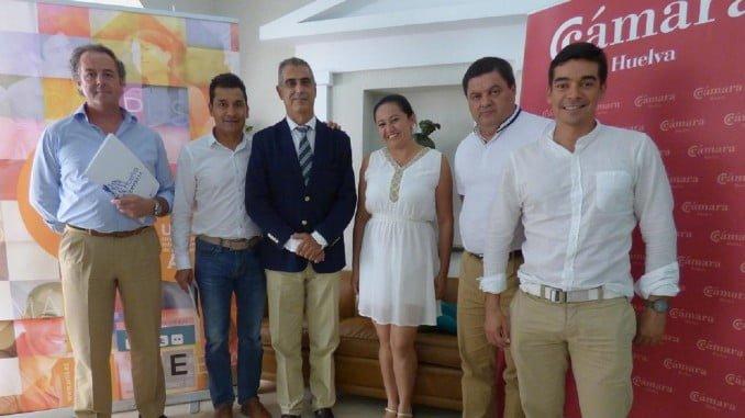 El vicerrector del Campus de La Rábida, Agustín Galán, con empresarios colombianos