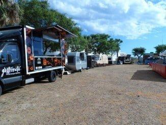 """La caravana gastronómica """"food trucks"""" ha arrancado este fin de semana en el puerto ayamontino"""