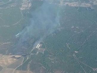 Vista aérea del incendio declarado en el término municipal de Gibraleón