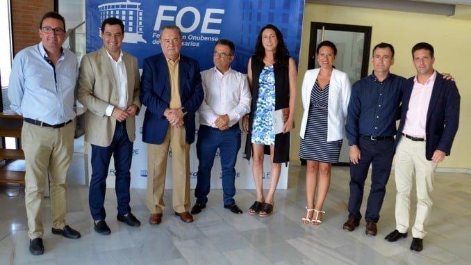 Juanma Moreno y otros dirigentes del PP se han reunido con Aimer en la FOE