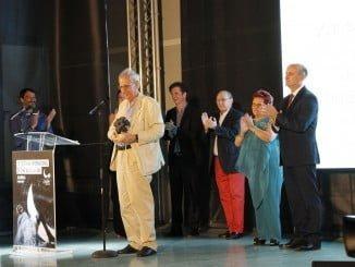El director Jaime Chávarri tras recibir el Premio Francisco Elías