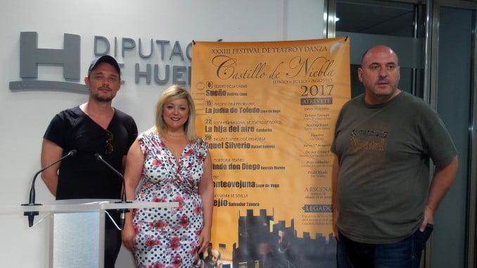 La diputada de Cultura, Lourdes Garrido, junto a los actores Federico Aguado y Mariano Llorente