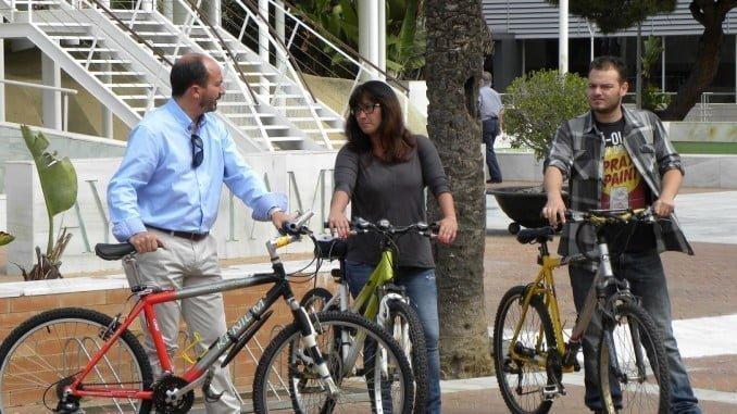 Miguel Ángel Gallego en bicileta por Punta Umbría