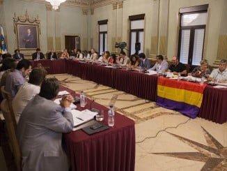 El Ayuntamiento de Huelva ha celebrado el último pleno del curso político