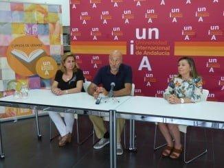 Javier del Valle, Silvia Basualta y María Victoria Gil en el curso sobre agua y sostenibilidad
