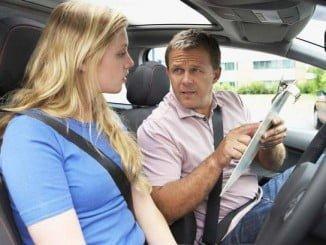 Los aspiantes al permiso de conducir no saben cuándo podrán realizar las pruebas