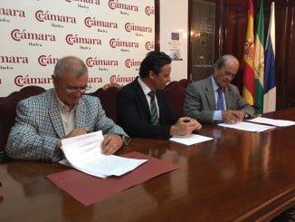 Firma del acuerdo de colaboración entre CIDPA y la empresa Sánchez Recarte en la Cámara de Comercio