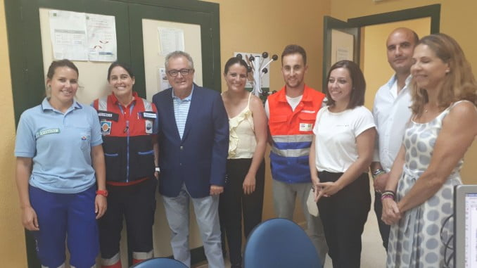 Rafael López y Rocío Espinosa visitan el consultorio de El Rocío