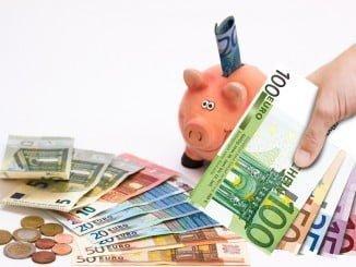 La subida salarial pactada en los convenios se situó en el 1,30%, por encima del 1,27% de abril y mayo