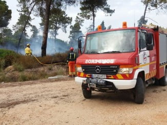 Bomberos del Consorcio Provincial en la extinción de un incendio