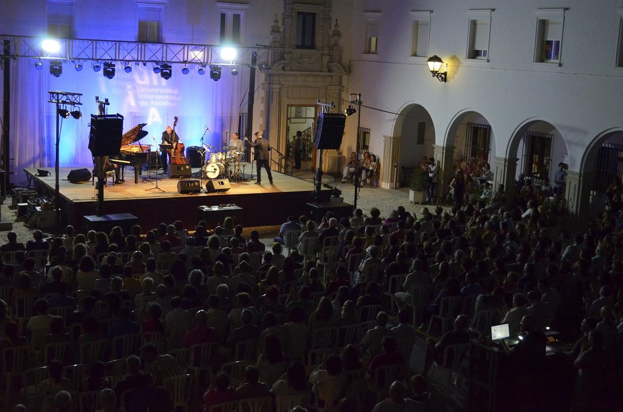 Las actividades culturales, un clásico en las noches de La Rábida