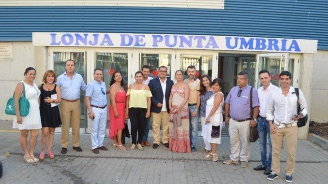Empresarios colombianos, junto al diputado Salvador Gómez, en la Lonja de Punta Umbría