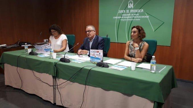 El delegado de Igualdad y la coordinadora onubense del IAM presentan el programa Vacacionantes