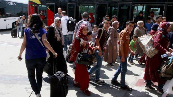 Un grupo de refugiados sirios a su llegada a España