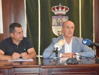 El alcalde de Lepe presenta el plan de asfaltado para los caminos rurales