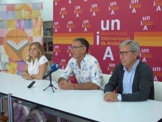 Eusebio Pérez, María de Alvear y Fernándo Ramírez en la presentación del curso 'Por sus vinos los conoceréis'