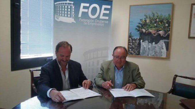 Representantes de FOE y Banco de Alimentos firman un acuerdo de colaboración