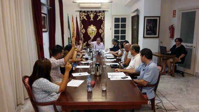 Momento de la votación de los presupuestos municipales en Aracena