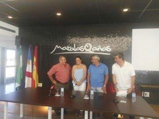 El Ayuntamiento de Almonte firma con la Asociación de Propietarios de Matalascañas y le cede un nuevo local.