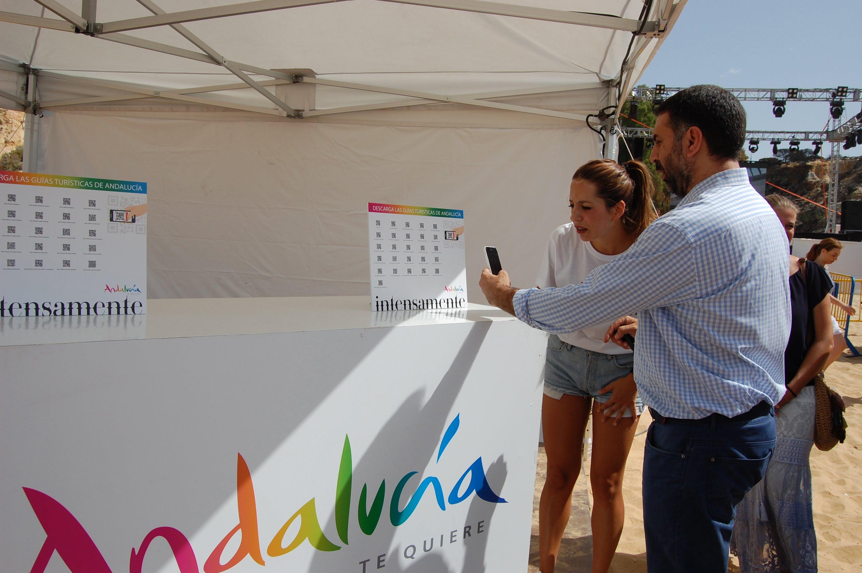 En la playa de Mazagón stand informativo