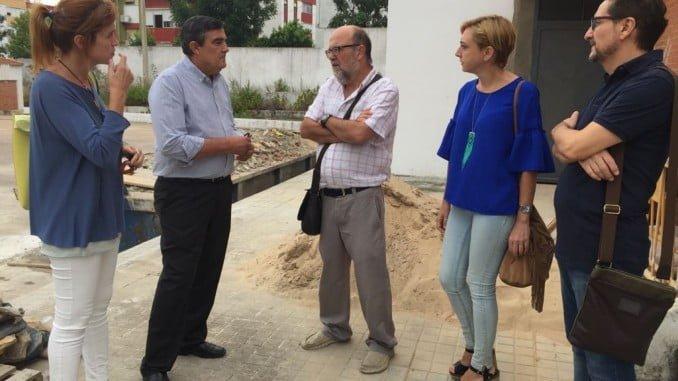 El delegado territorial de Educación, Vicente Zarza, ha visitado el centro donde se realizarán las obras
