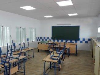 Aula escolar recién equipada