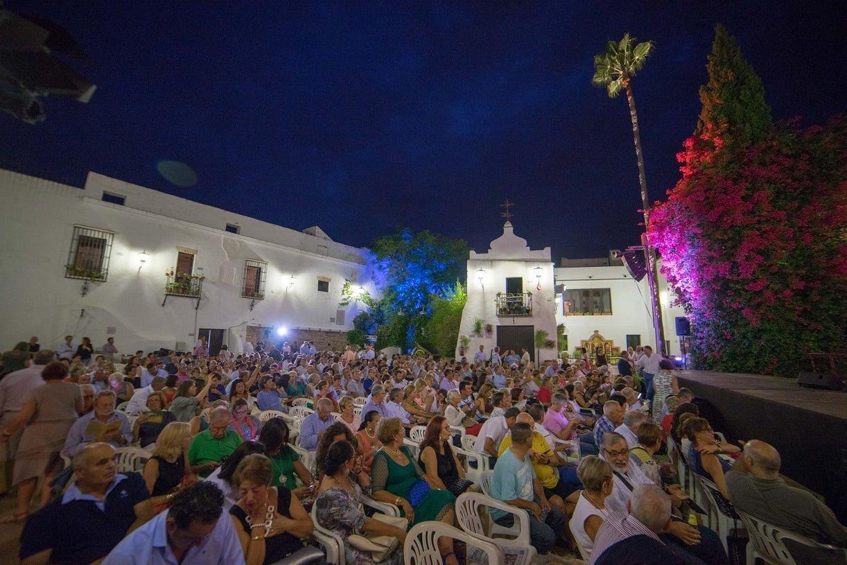 El público ha abarrotado el Patio de La Jabonería para disfrutar de la cantaora jienense