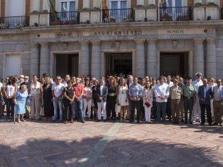 En el Ayuntamiento de Huelva se han guardado cinco minutos de silencio