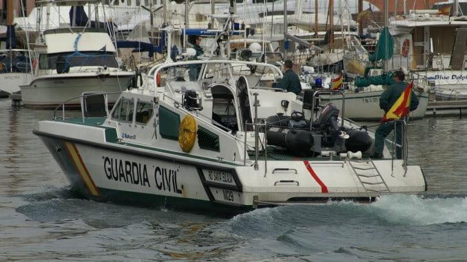 Emergencias 112 ha ha activado a la Guardia Civil, a EPES, a la Policía Local y a Salvamento Marítimo