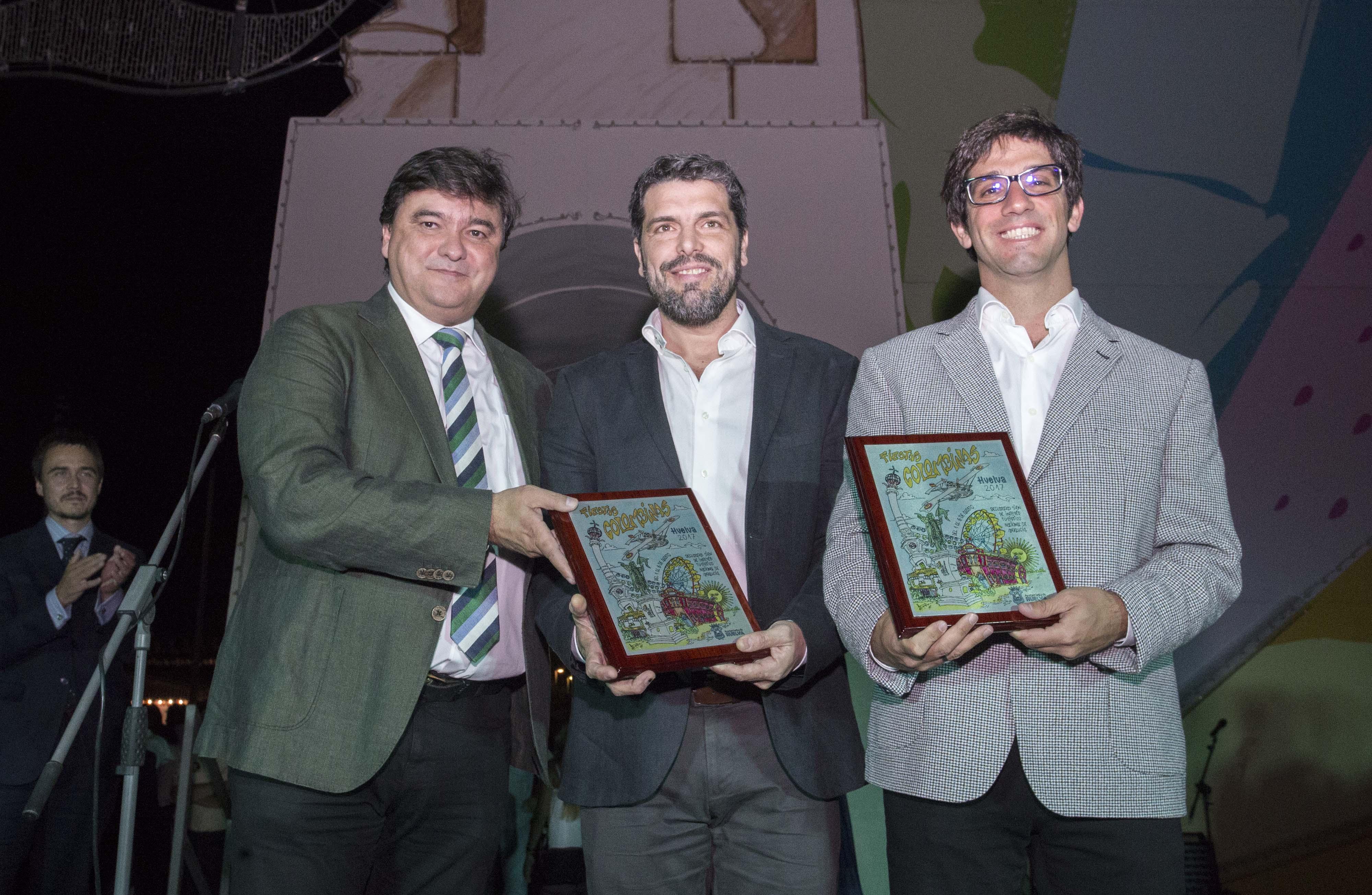 El alcalde, Gabriel Cruz, junto a representantes del Gobierno de Buenos Aires, ciudad a la que se dedica las fiestas