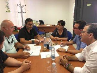 Miembros del PP se reúnen con el sector pesquero para abordar la problemática de la falta de inspectores