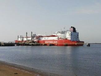 El metanero en aguas onubenses