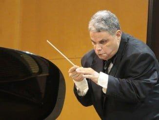 Rafael Cordero se convertirá en el primer director de orquesta invidente