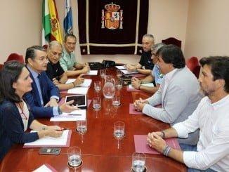 Reunión del delegado del Gobierno con el alcalde de Huelva para reforzar la seguridad en la capital