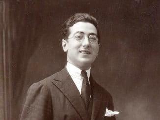 El autor literario Alejandro Rodríguez Gómez, conocido para la literatura como Xandro Valerio