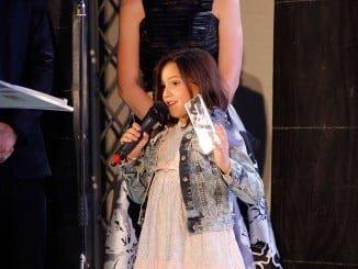 Una de las actrices de 'Zoe' recoge el premio al Mejor Largometraje del Festival de Islantilla