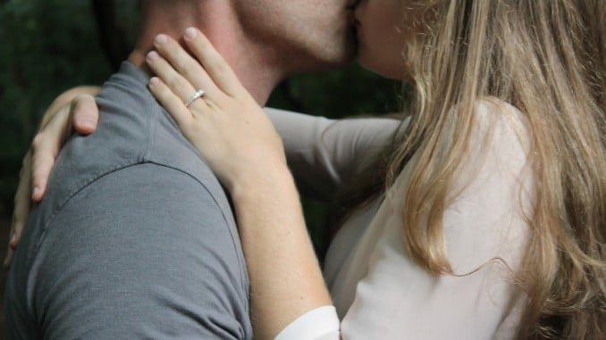 Hacer el amor con más frecuencia aumenta la calidad del esperma
