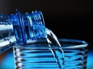 El agua envasada sin gas supone el 97% del consumo total