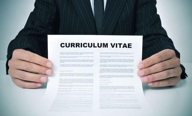 El Ministerio de Sanidad e Igualdad estudia la implantación del curriculum ciego como medida contra la discriminación