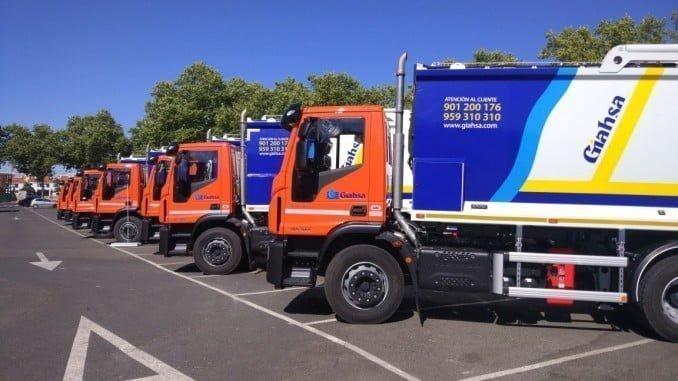 Giasha ha adquirido doce nuevos recolectores de carga trasera y dos lavacontenedores