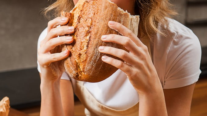 Gracias a su aporte de fibra, el pan es muy importante para reducir el colesterol y los triglicéridos