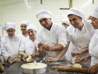 La Formación Profesional Dual continúa el próximo curso 2017-18 su crecimiento en Andalucía