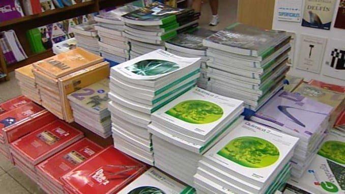Las familias recibieron en el mes de junio un cheque libro y la relación de libros de texto correspondientes para su canje en la librería de su elección